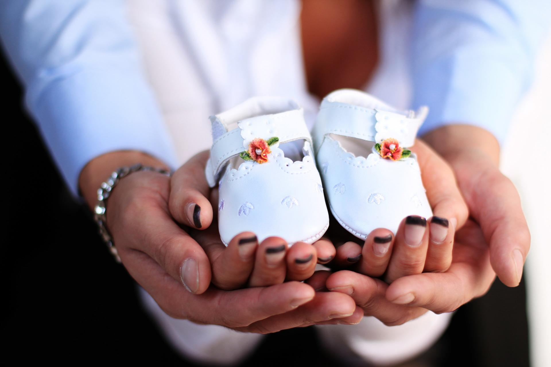 Jak zorganizować uroczystość z okazji chrztu dziecka?